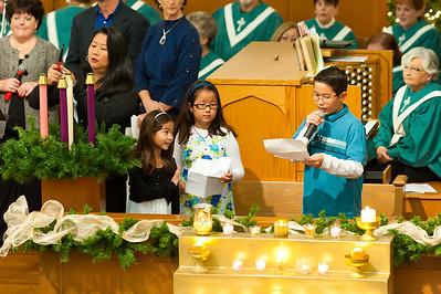 Hammann Family Leading Advent Worship 12-5-2010