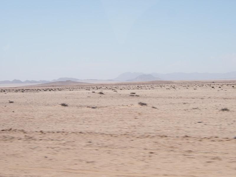 P3220200-desertscape-near-swakopmund.JPG