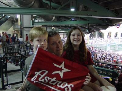 baseball fans.jpg