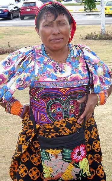 Boomer travel - Panama - A Kuna indian displays Kuna Mola art in Panama City, Panama.