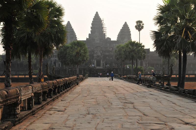 Day18-AngkorWatSunset-56.jpg