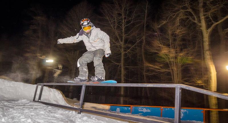 Nighttime-Rail-Jam_Snow-Trails-146.jpg