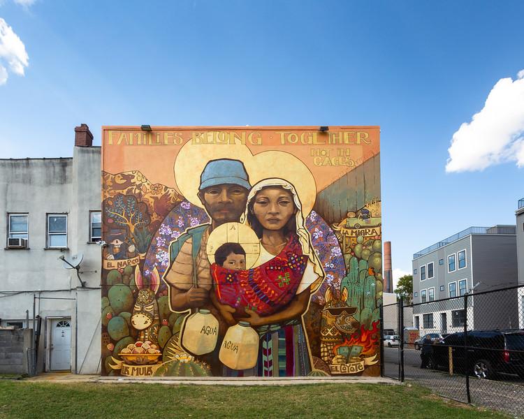 Families Belong Together © 2018 City of Philadelphia Mural Arts Program / Ian Pierce (Artes Ekeko), 2536 North Front Street. Photo by Steve Weinik.