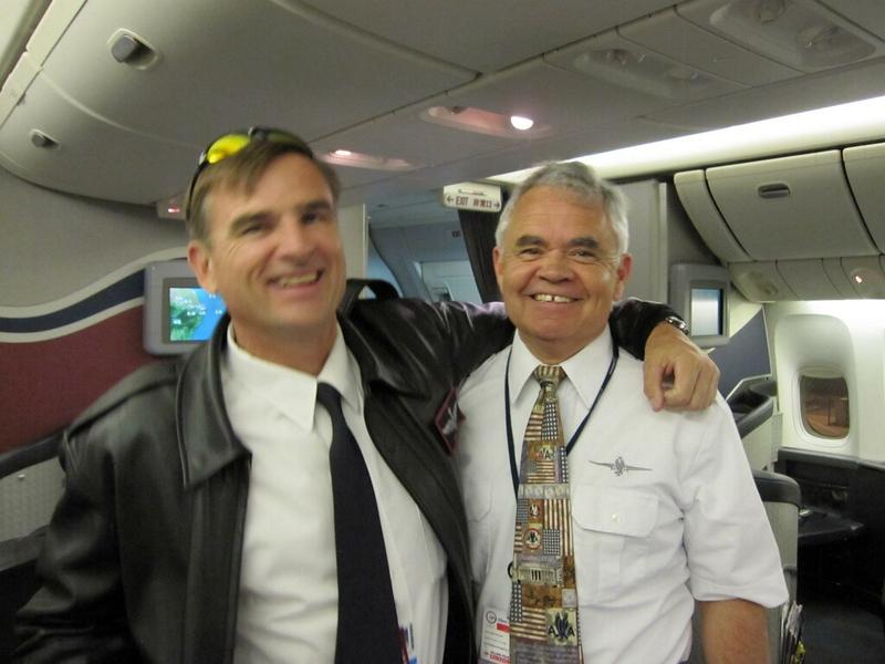 American Airlines 777 cpn. David W. Hunt (r)