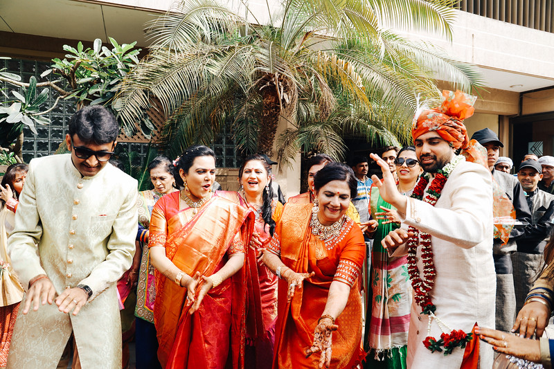 Poojan + Aneri - Wedding Day EOSR Card 1-1134.jpg