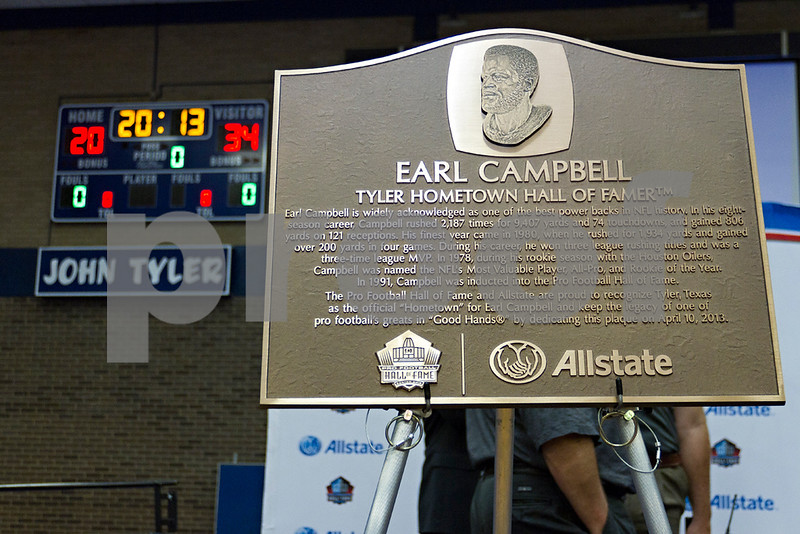 041013_Earl_Campbell_2_web