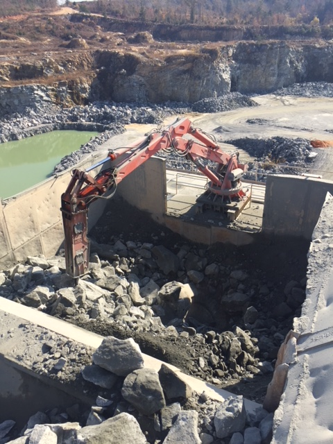 NPK B6500 pedestal boom with GH10 hydraulic hammer - Vulcan Materials - Barin Quarry, GA  2017 (6).JPG