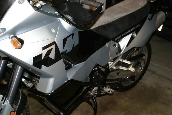 KTM950_02.JPG