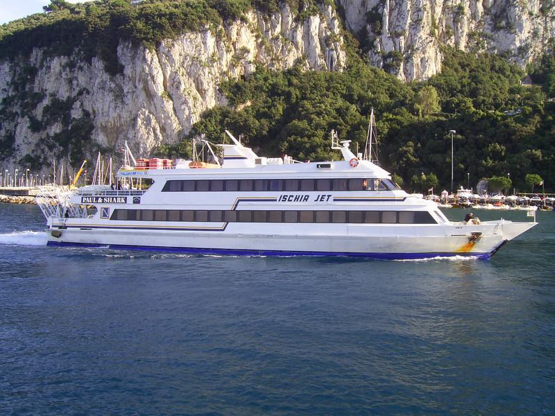 2007 - ISCHIA JET arriving to Capri.