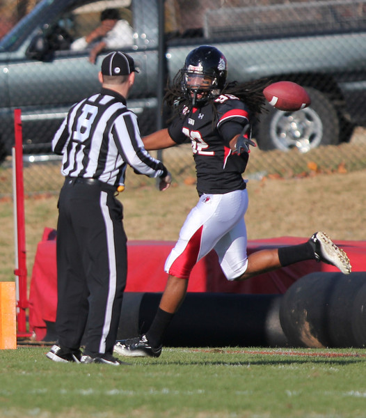 Lyndon Leslie, 82, gets a touchdown for GWU Runnin' Bulldogs