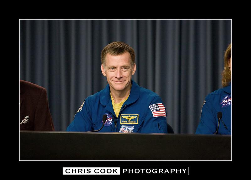 STS-135-landing-38.jpg