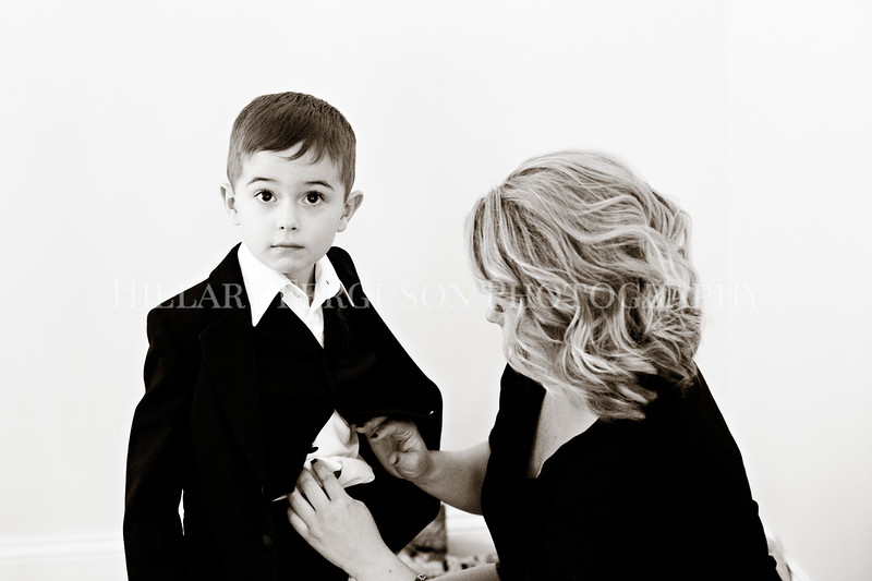 Hillary_Ferguson_Photography_Melinda+Derek_Getting_Ready351.jpg