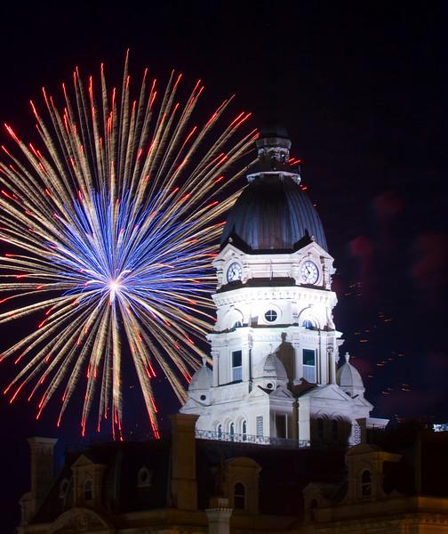 Terre_haute_fireworks_0184.jpg