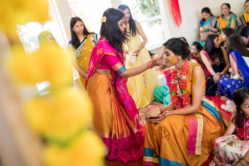 Hina_Pithi_Pooja-210.jpg