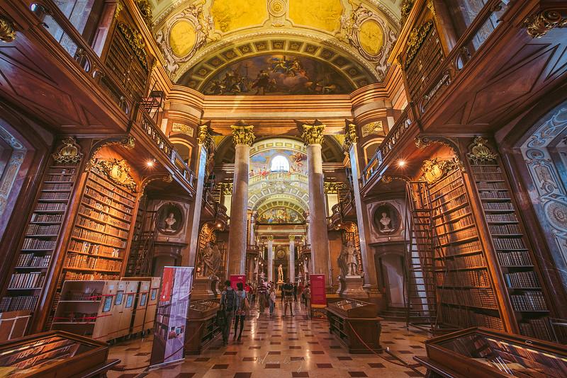 Vienna-Biblioteck-3.jpg