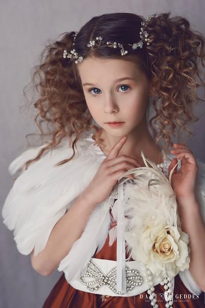 Lily Simplicity Art