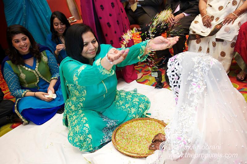 Naziya-Wedding-2013-06-08-01929.JPG