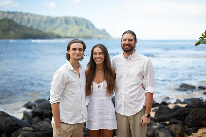 suprise engagement family photos-2.jpg