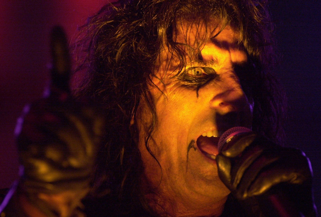 . Vince Furnier, better known as Alice Cooper, performs at the Michigan State Fair in Detroit, Sunday, Sept. 3, 2000. Cooper, who is orignally from Detroit, plans to end the tour on Halloween Night in New York City. (AP Photo/Paul Warner)