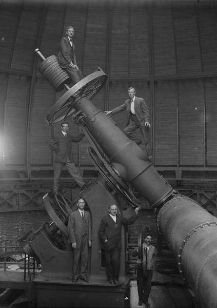 Here is an early photograph of the 30 inch Thaw mount just after installation at Allegheny Observatory around the turn of the century.