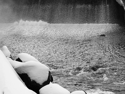 Frozen Water & Winter