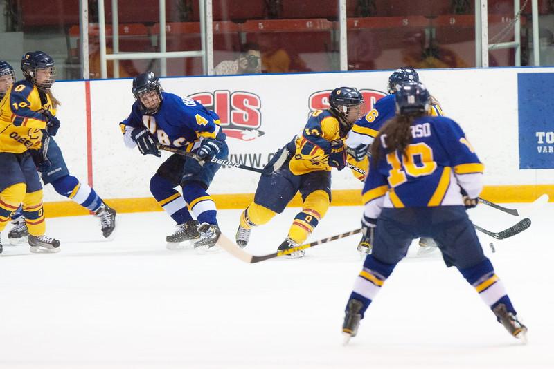 20130310 QWHockeyvsUBC 484.jpg