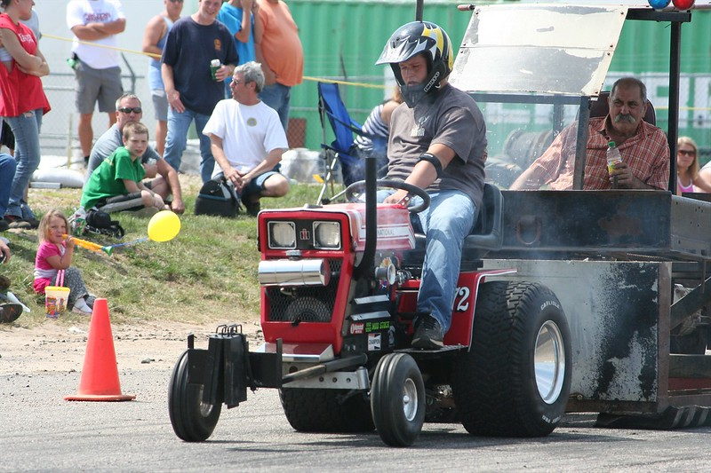 St. Paul Park tractor pull 2013 037.JPG