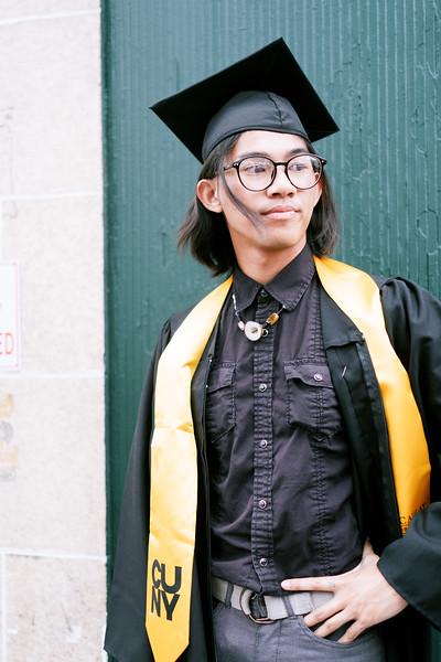 19.6.6 Macaulay Honors Graduation-309.jpg