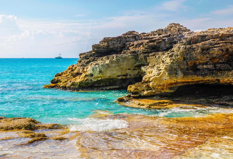 Bimini-Beach-Rocks-Boat-19x13.jpg