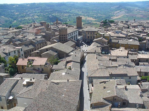 0529_Umbria_Orvieto_As_Seen_from_a_Campanile.jpg