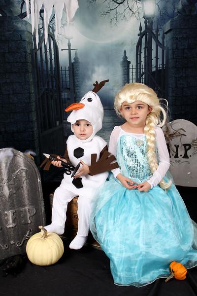 Aguilera Halloween 17