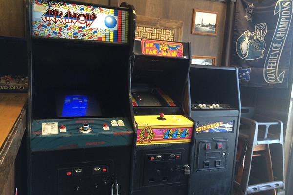 Bongiornos_interior_arcadegames.jpg