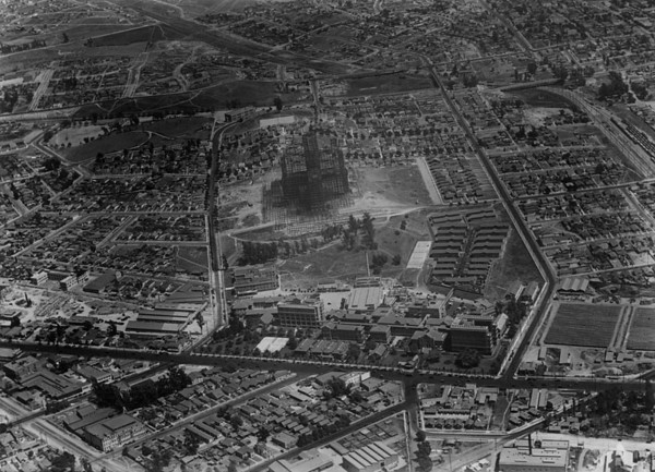 1930, Construction Aerial