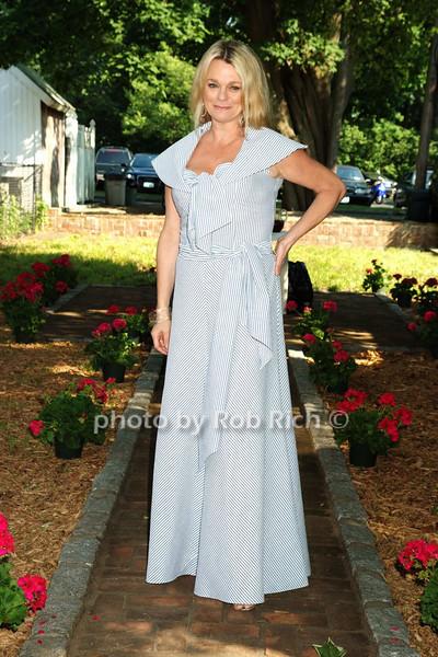 Debbie Bancroft photo by Rob Rich © 2008 516-676-3939 robwayne1@aol.com