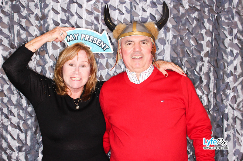 red-hawk-2017-holiday-party-beltsville-maryland-sheraton-photo-booth-0224.jpg