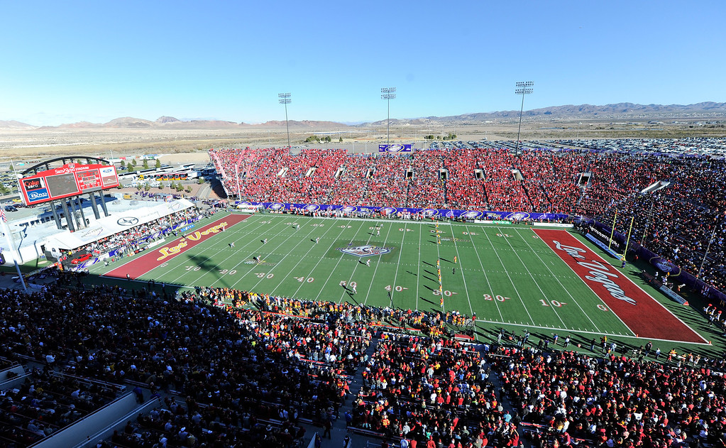 . LAS VEGAS, NV - DECEMBER 21:  A general view of Sam Boyd Stadium as the Fresno State Bulldogs and the USC Trojans compete in the Royal Purple Las Vegas Bowl on December 21, 2013 in Las Vegas, Nevada. USC won 45-20.  (Photo by Ethan Miller/Getty Images)