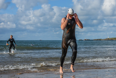 Sandman Triathlon - Swim Exit White Hats