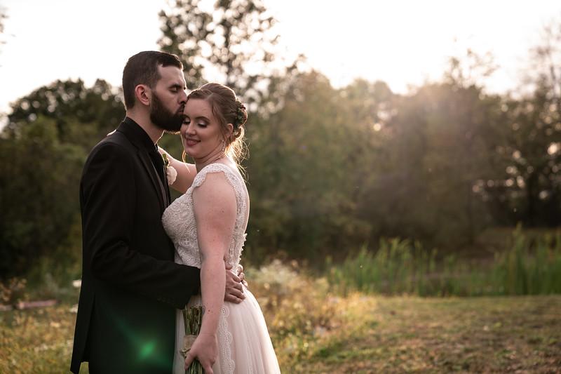 rustic_ohio__fall_barn_wedding-343.jpg
