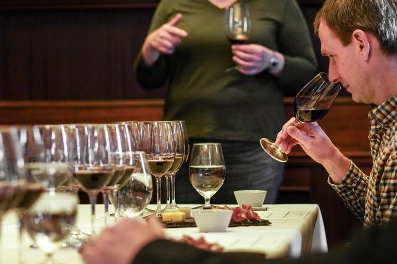 Met Grill Wine Club_005.jpg