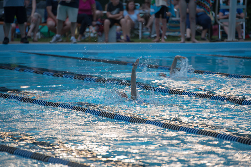 lcs_swimming_kevkramerphoto-485.jpg