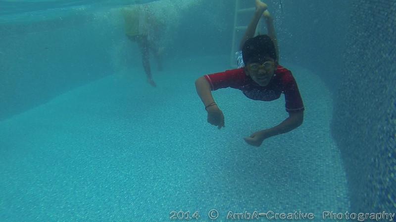 2014-08-23_Underwater@MunnyKakHomeWantaghNY_03.jpg