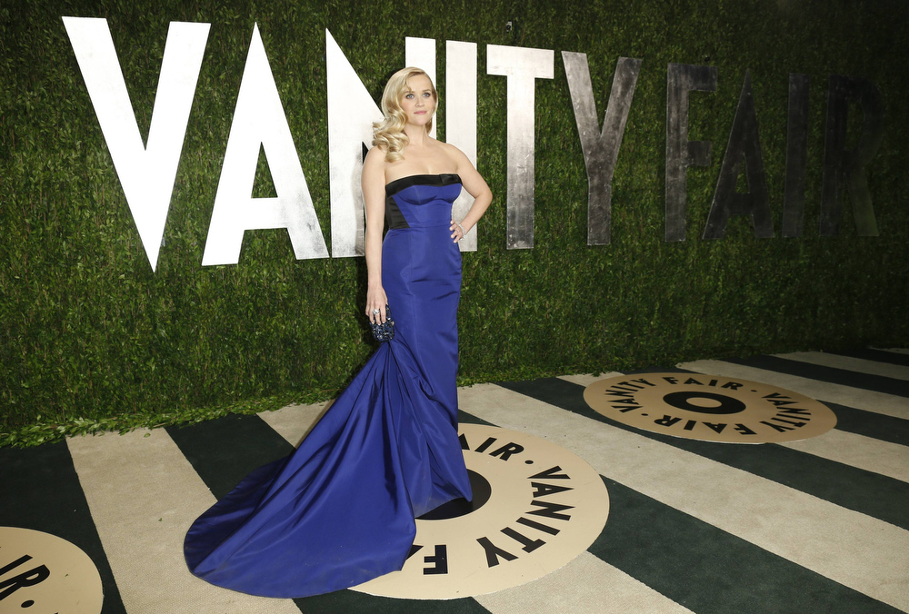 Description of . Reese Witherspoon at the 2013 Vanity Fair Oscars Party in West Hollywood, California February 24, 2013.  REUTERS/Danny Moloshok