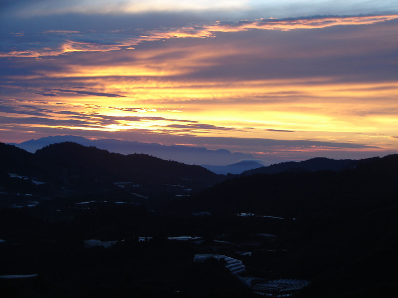 Sunrise over The cameron Highlands from our bedroom window (3).JPG