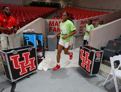 UH WBB vs USF 2019