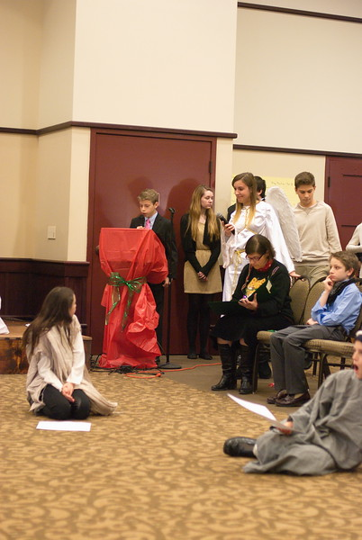 2014-12-21-Christmas-Pageant_082.jpg
