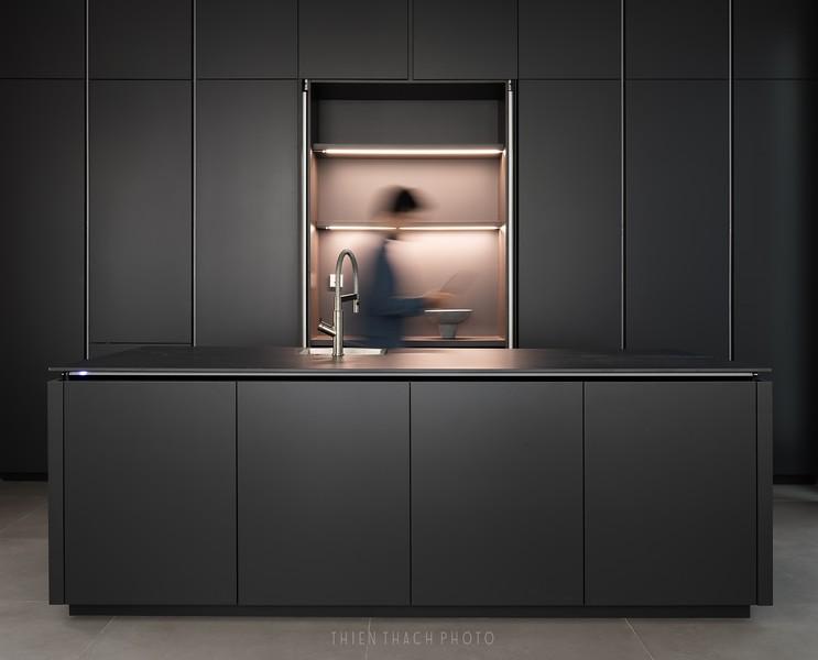 V-HOUSE Interior Design by TAYONESTUDIO