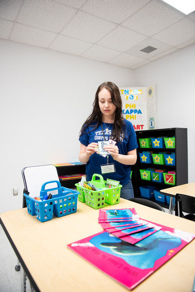 TAMU-CC Student Kaela Mathis prepares for a tutoring session with students from Kennedy Elementary.