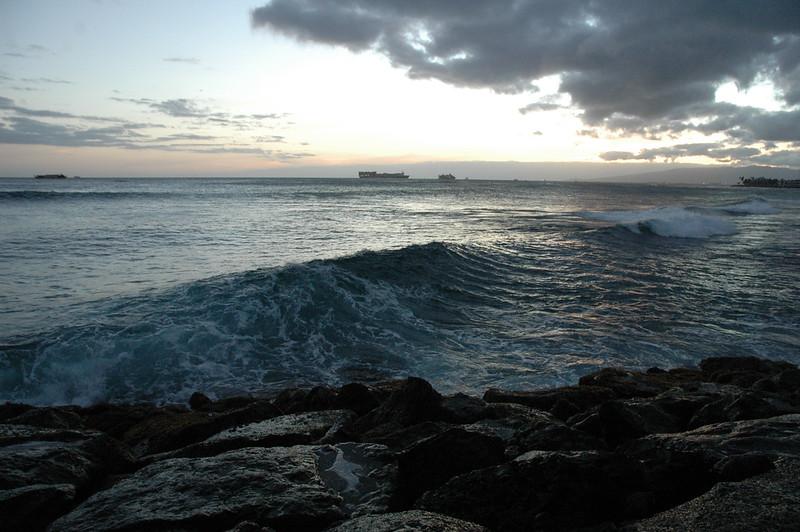 Hawaii - Ala Moana Beach Sunset-133.JPG