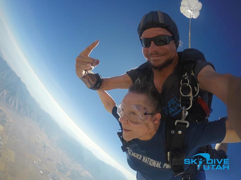 Lisa Ferguson at Skydive Utah - 35.jpg