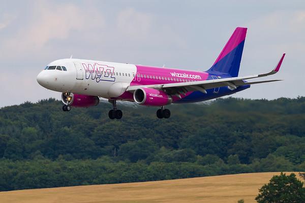 HA-LYG - Airbus A320-232